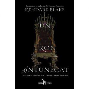 Un tron întunecat de Kendare Blake